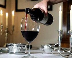 Бокал вина в день – защита от остеопороза женщин