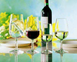 Вкус белого вина убивает длительная выдержка в бочке