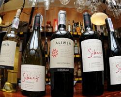 Чилийский винодел предложил реставраторам дегустацию вин