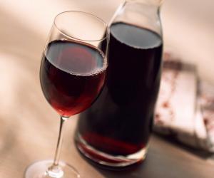 Храним вино дома